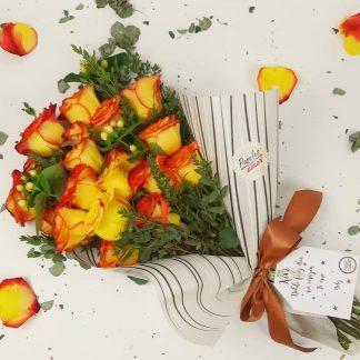 Bouquet de rosas confeti amarillas