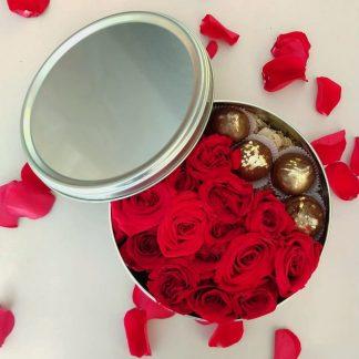 Chocolates y rosas abierta